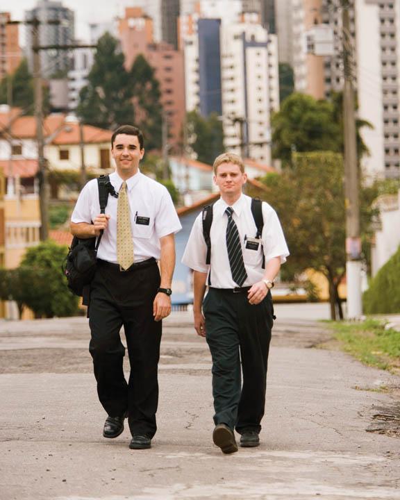 Ladrones se hacen pasar por misioneros Mormones