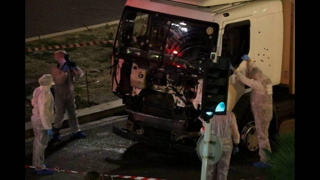 Iglesia extiende sus condolencias luego del atentado en Niza que dejó más de 80 muertos.